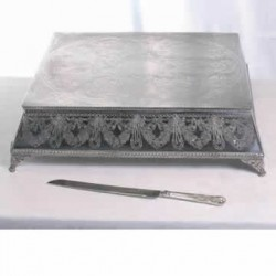 Square cakestand and knife